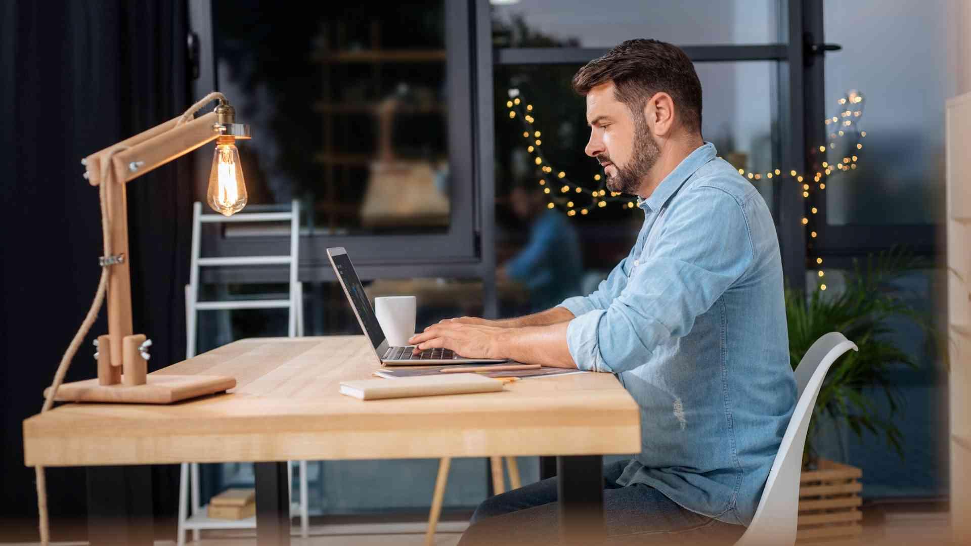 Postazioni Per Lo Smart Working: Le Soluzioni per lavorare da casa in Poche Ore